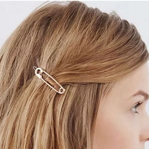 NEW ~ SAFETY PIN HAIR CLIP 2 LOT